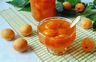 когда добавлять косточки в абрикосовое варенье