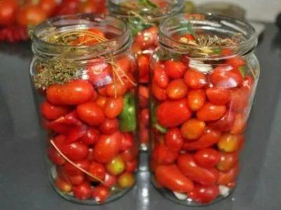 как засолить помидоры черри на зиму в банках