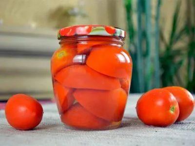 как засолить помидоры дольками