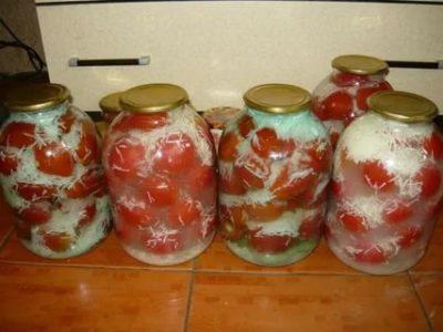 помидоры в снегу с чесноком на зиму