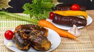 соленые баклажаны с овощами