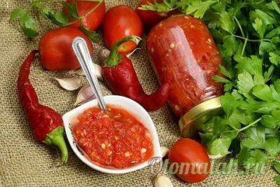 аджика с кинзой и помидорами на зиму